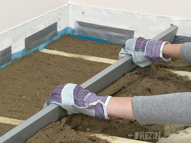 Как выровнять бетонный пол своими руками