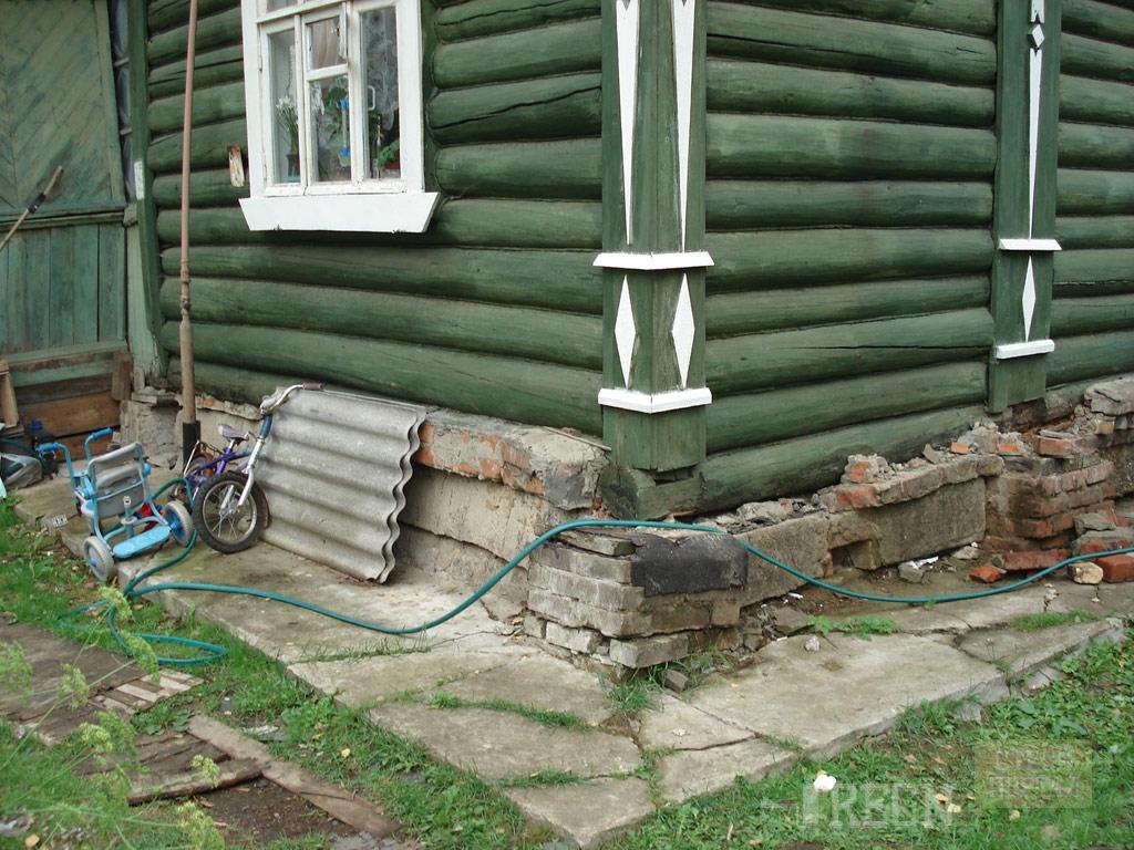 Замена фундамента под деревянным домом своими руками