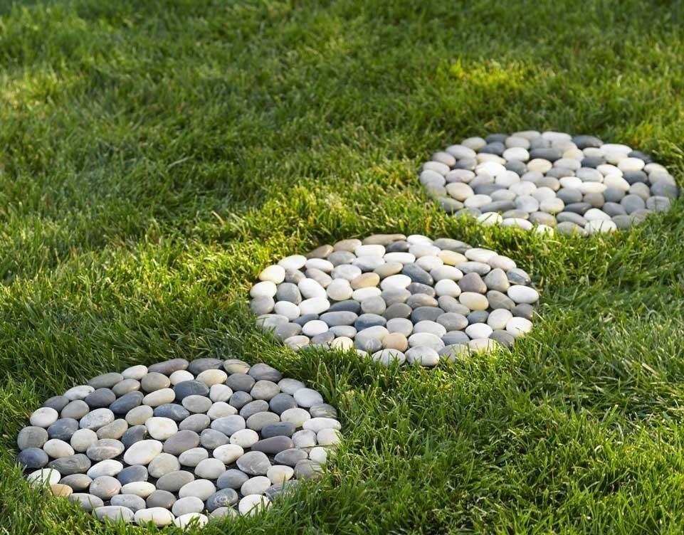 Декор из камня в саду своими руками 91