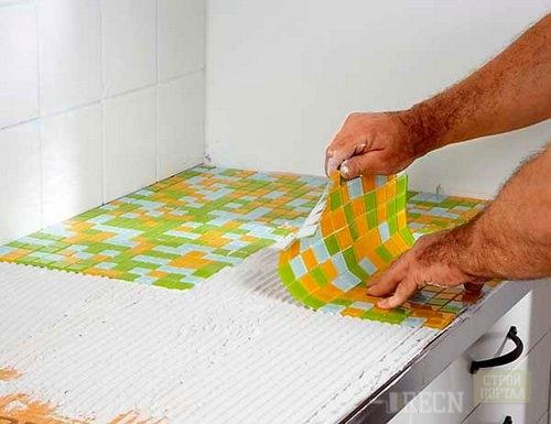 Укладка мозаичной плитки в ванной своими руками