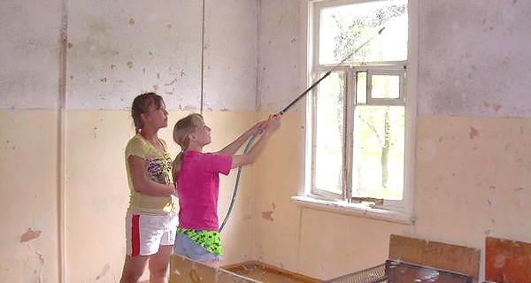 чем лучше побелить бетонные стены школы снаружи