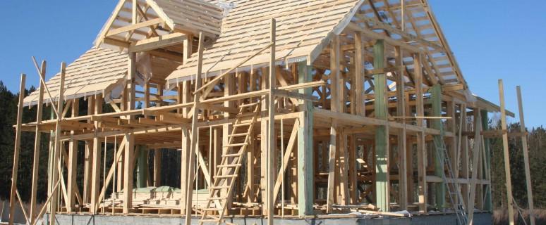 Канадский строитель каркасных домов