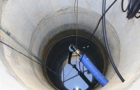 Vodoprovod-iz-kolodtsa-na-dache-500x356