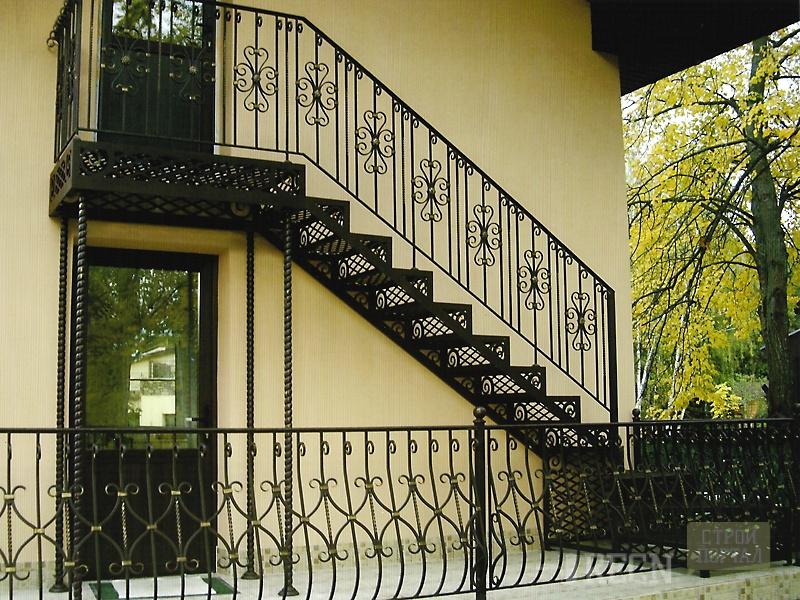 Как сделать металлическую лестницу своими руками. каким обра.