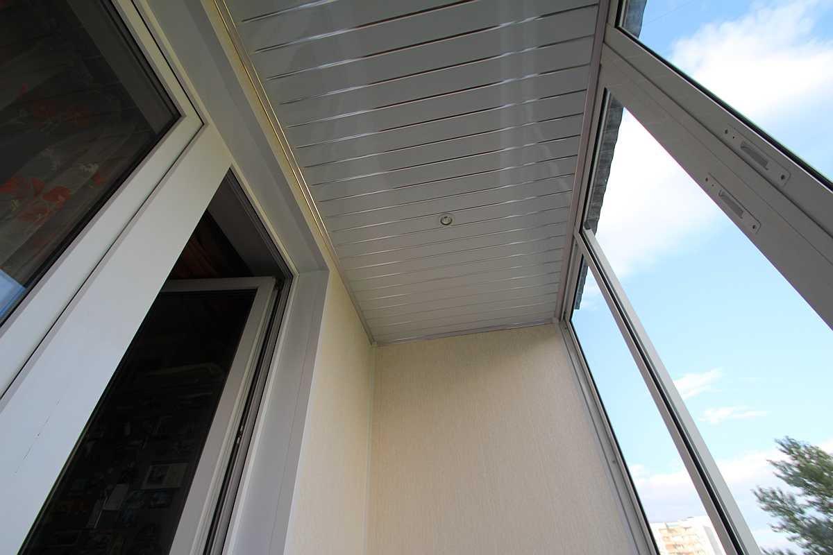 Потолок на лоджии.