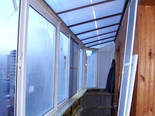 Крыша на балкон: инструкция по монтажу. как установить крышу.
