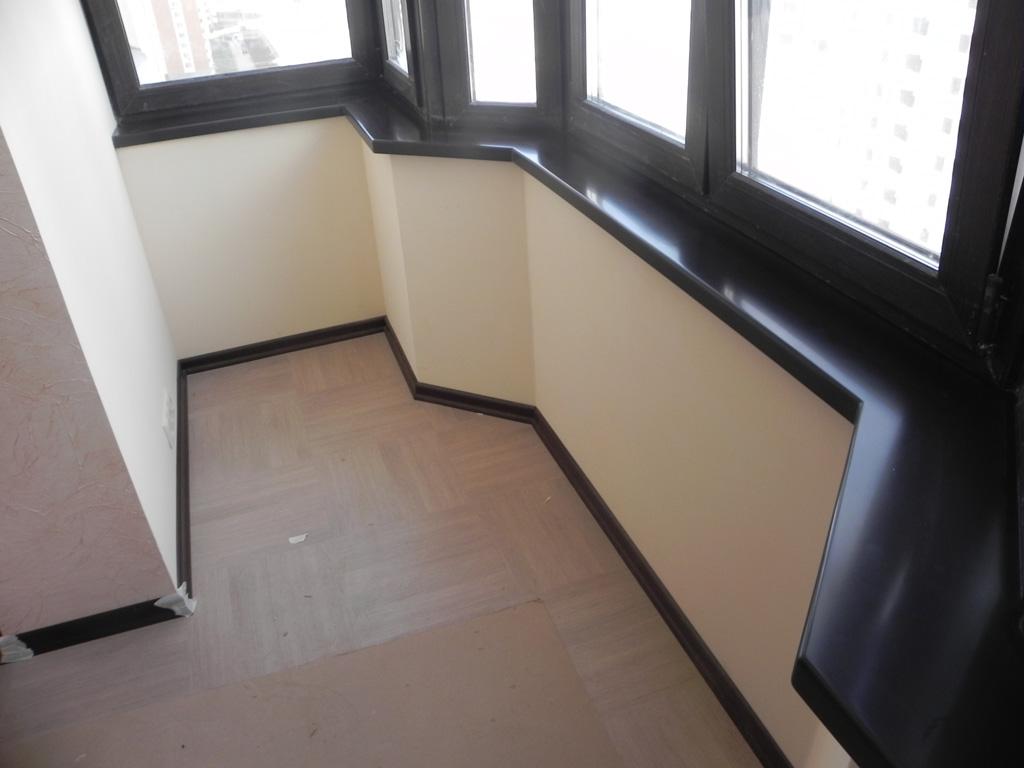 Подоконник на балконе.