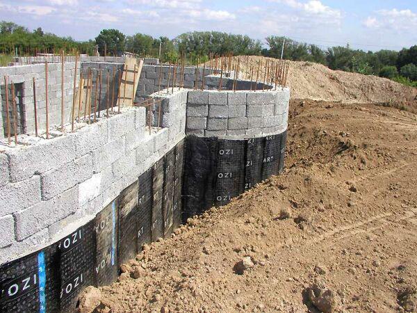 Строим цокольный этаж своими руками