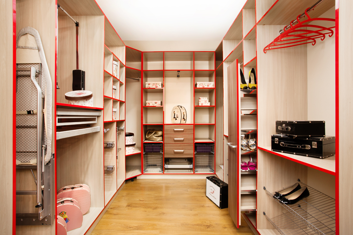 Как в маленькой комнате сделать гардеробную. гардеробная в м.