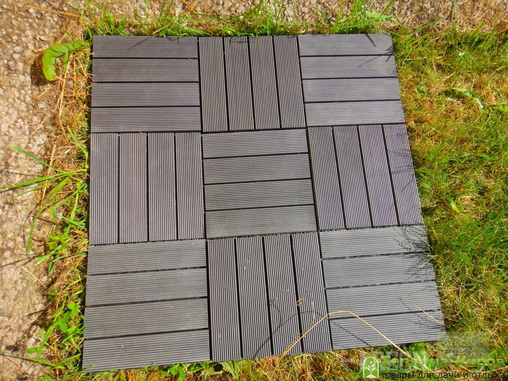 Outdoor plastic floor tiles