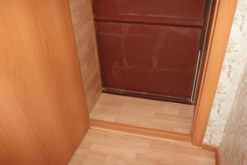 otkosy-iz-laminata-na-vhodnye-dveri5