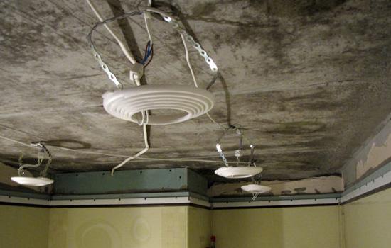 Установка светильников для натяжного потолка своими руками