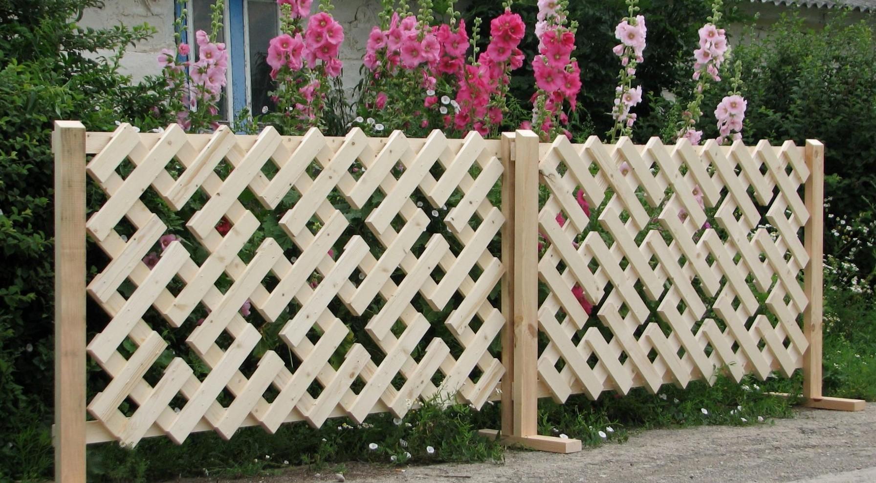 Маленький забор на даче своими руками фото
