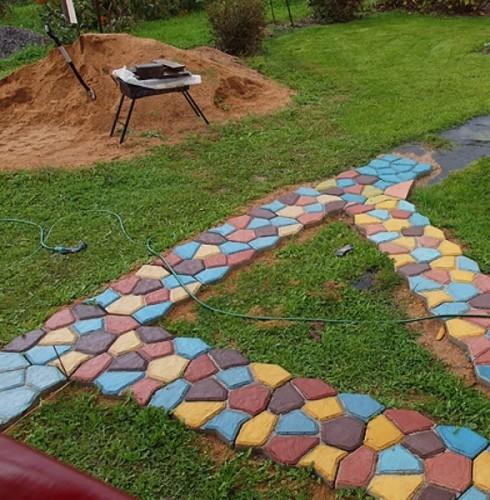 Цветные-дорожки-для-сада