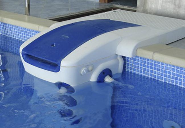 Как сделать очистку воды в бассейне