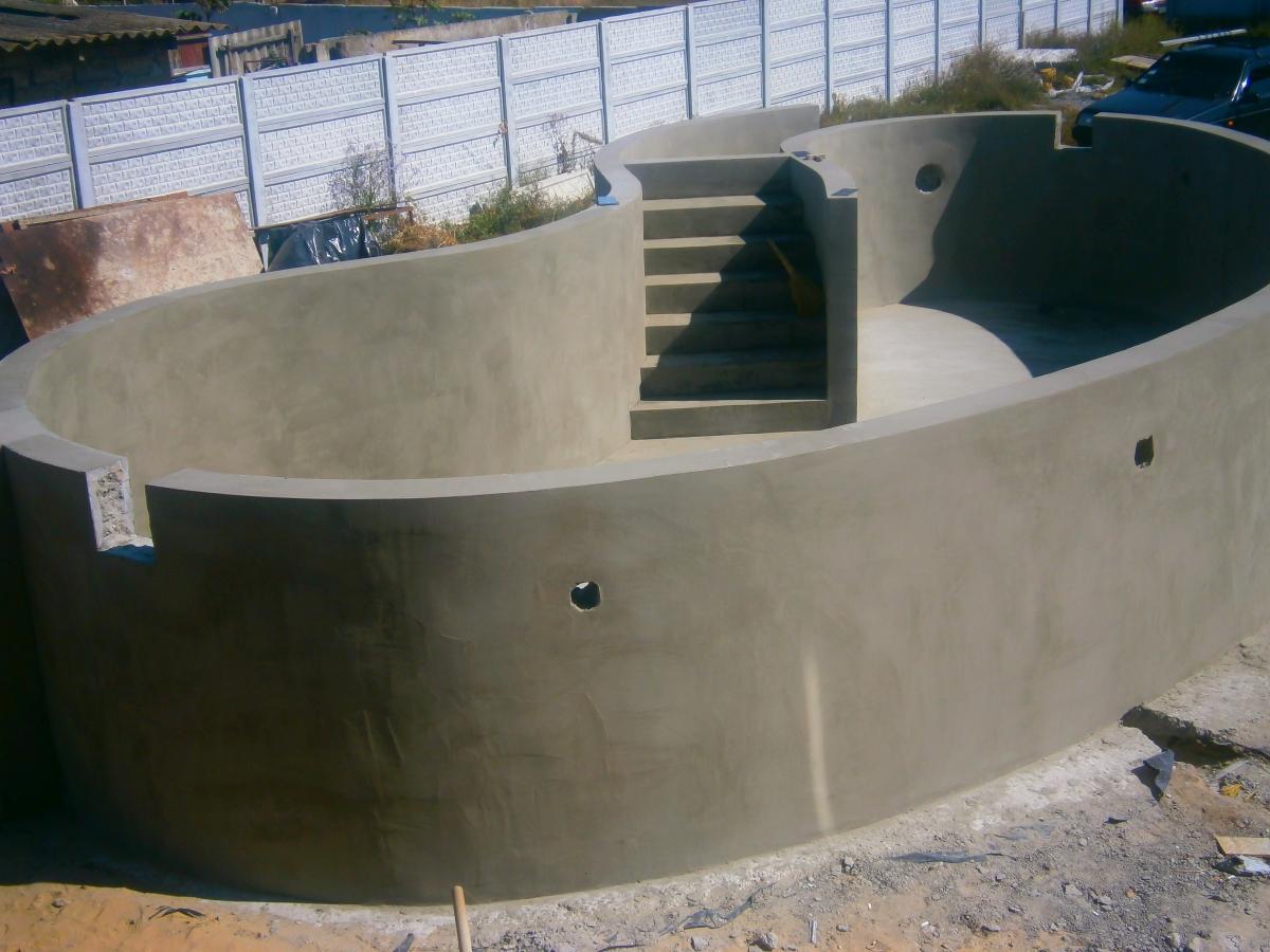 Как сделать бетонный бассейн своими